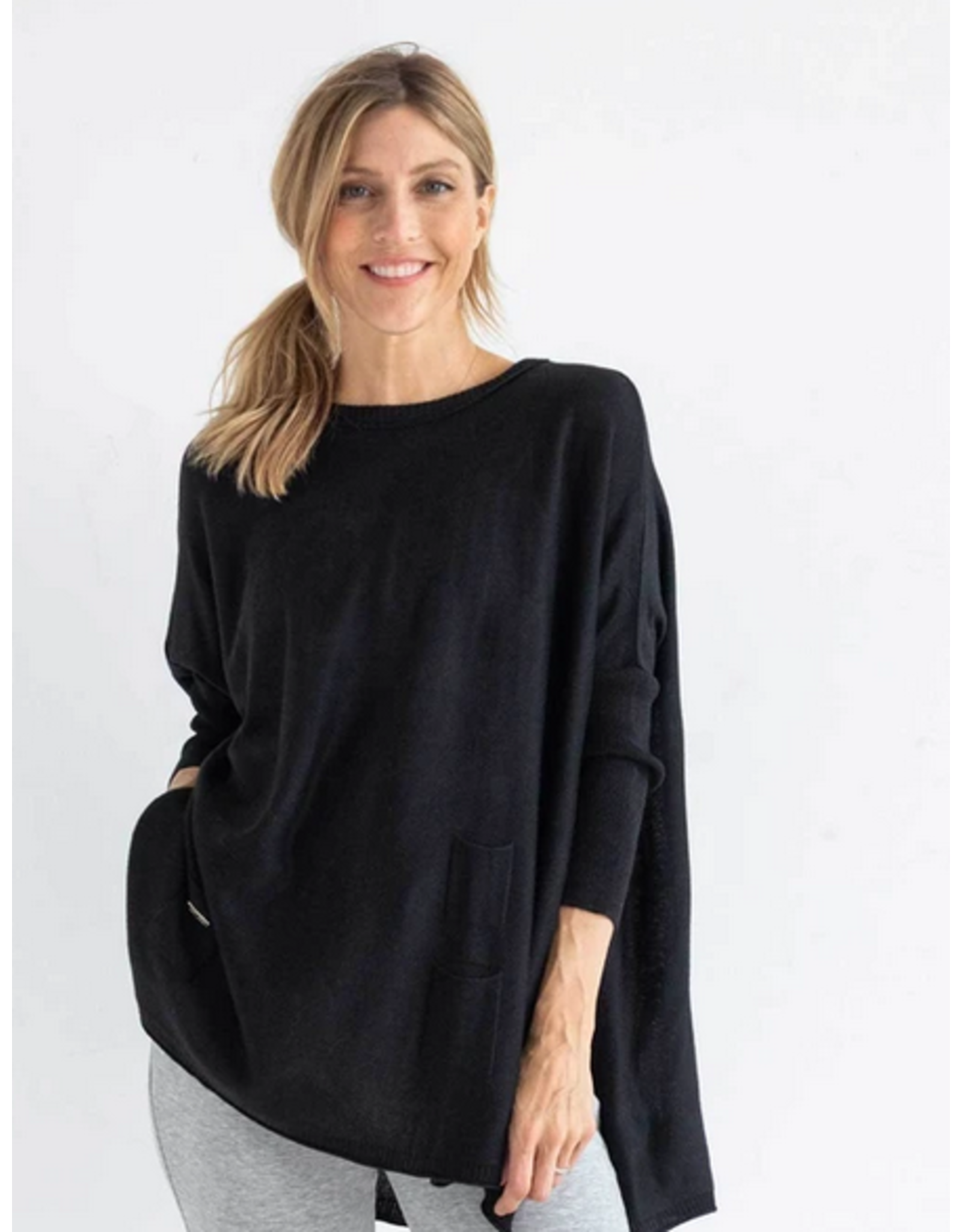 Mer Sea Crewneck Mini Pocket Sweater in Black