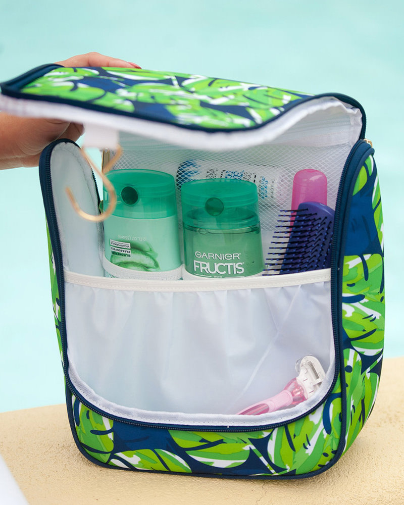 Wholesale Boutique Palm Leaf Hanging Toiletry Bag