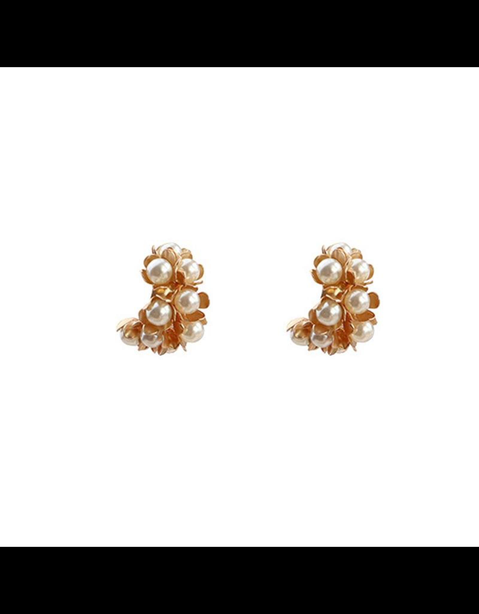 Treasure Jewels Mini Pearl Stud Earring