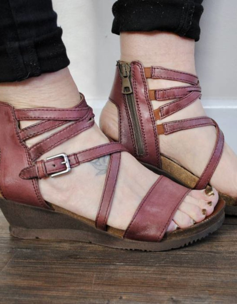 77321e5b017 Shay Wedge - Evelyn Lane Clothing Co.