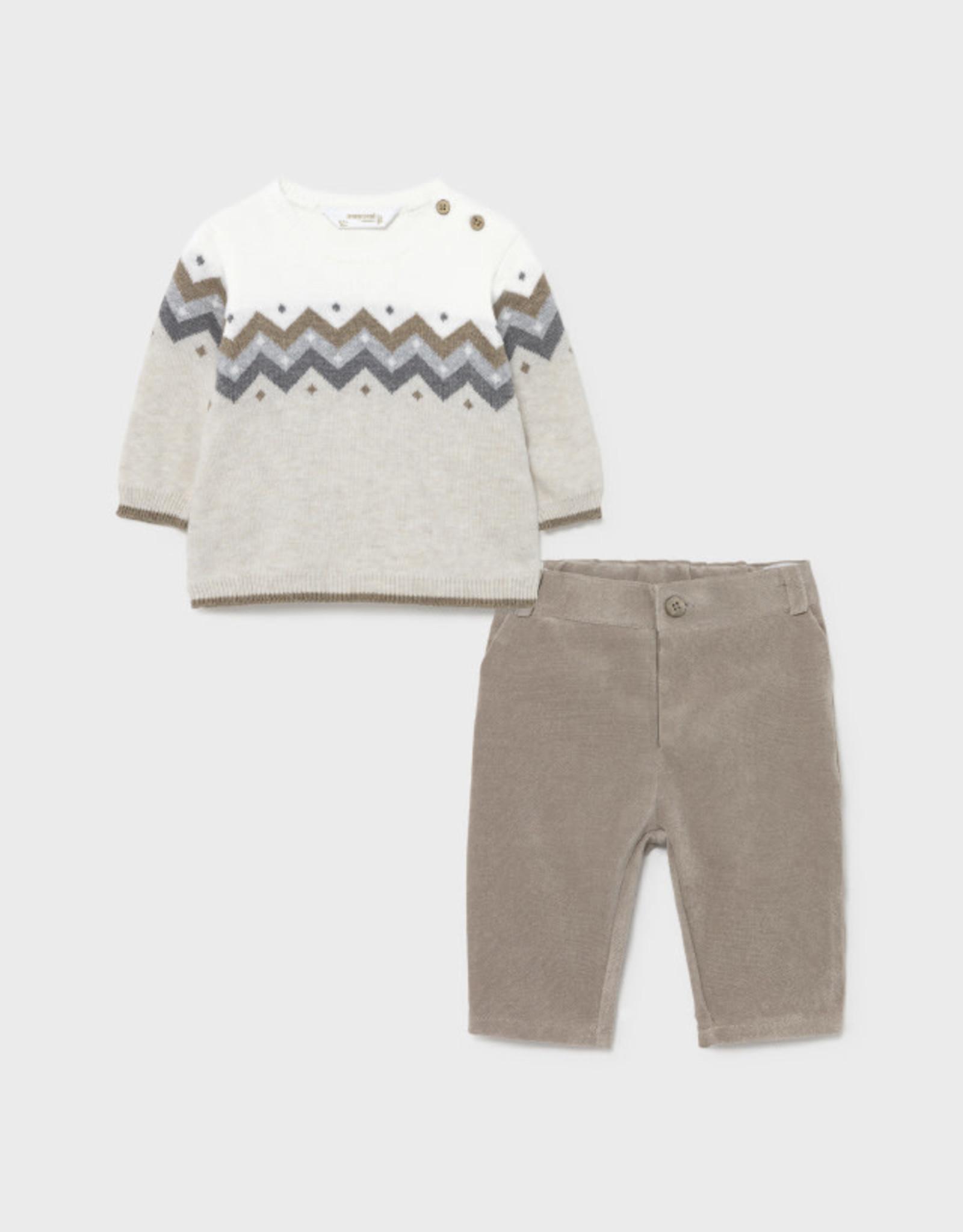 Crewneck Sweater w/trousers