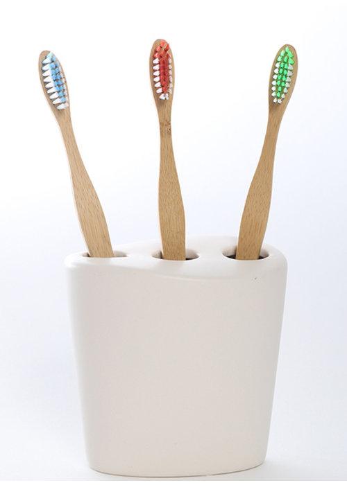 Ola Bamboo Ola bamboo - Brosse à dents en bambou - Ultra-souple: Verte-bleue-rouge