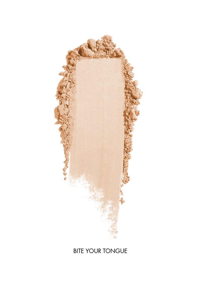 Saint Cosmetics -Ombre à paupières nacré ( 7 couleurs )