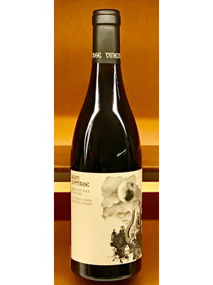 Wine BURN COTTAGE BURN COTTAGE VINEYARD PINOT NOIR 2015