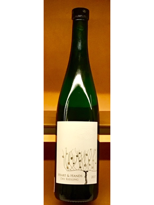 Wine HEART AND HANDS DRY RIESLING 2017