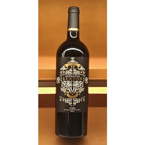 Wine HERMANOS LURTON TORO 2017