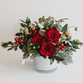 Workshop: Holiday Flower Arranging!