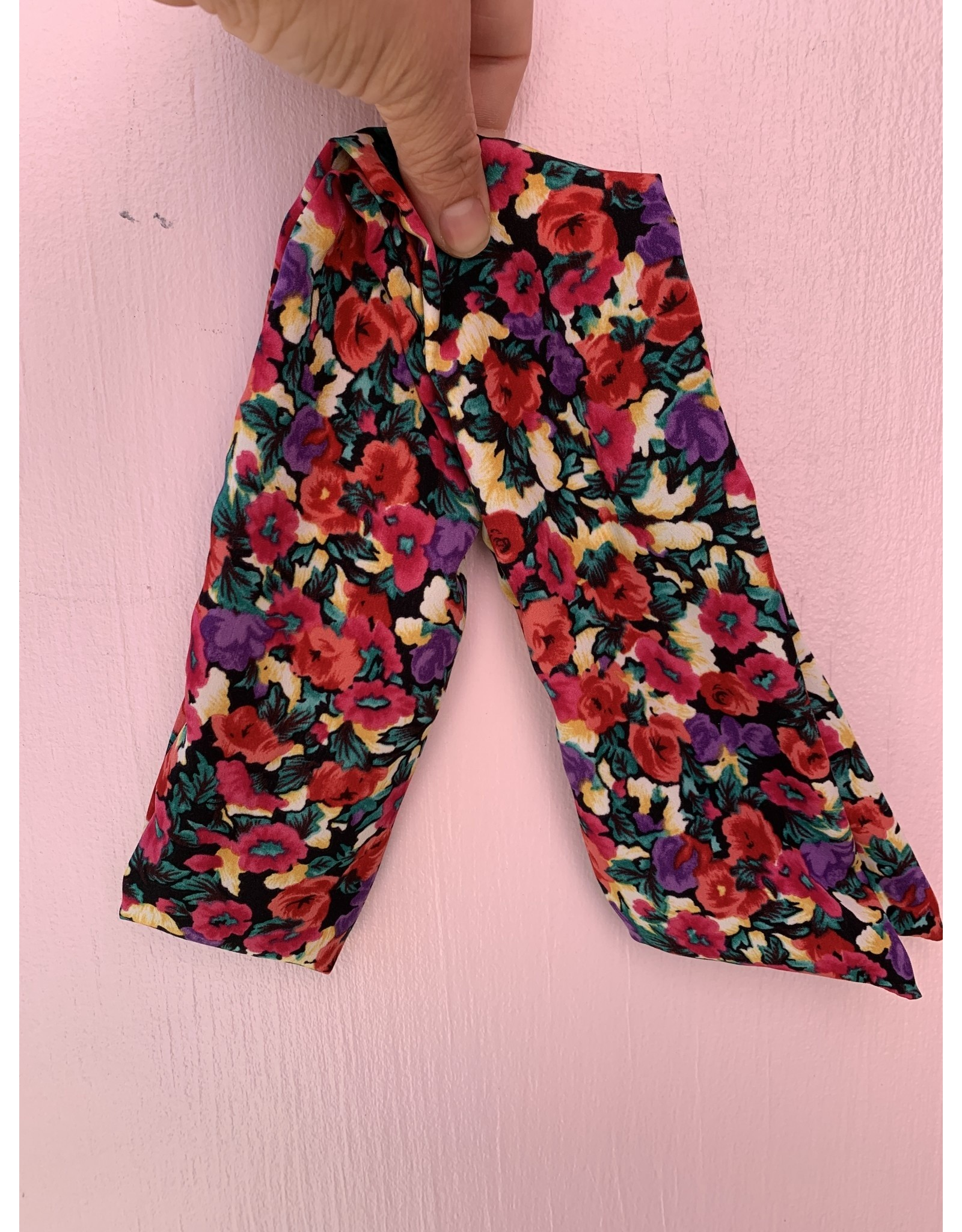 Silk Wired Headscarf in Red and Black Floral