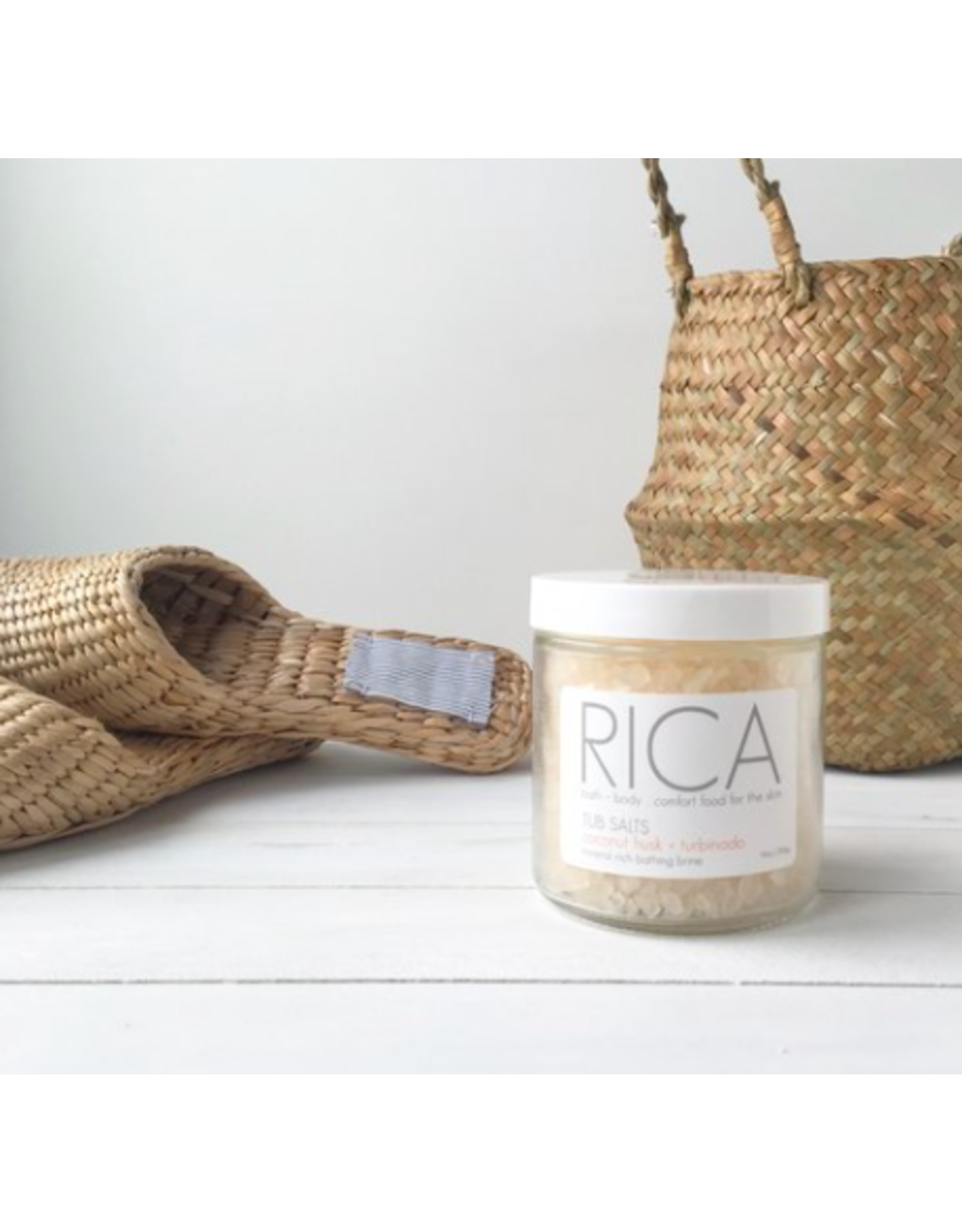Rica Bath & Body Tub Salt Coconut Husk + Turbinado