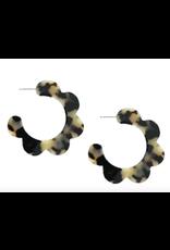 Scalloped Hoop Earrings in Blonde