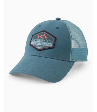Southern Tide M's Pop Rising Skipjack Patch Trucker