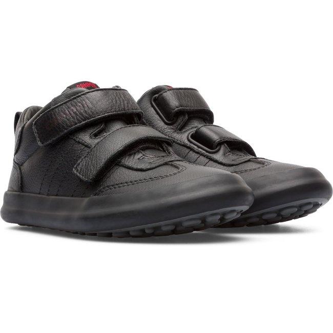 Pursuit Sneakers (Black)