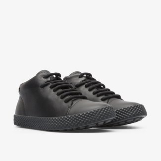 Pursuit Sneakers (Black)