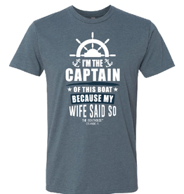 I'M THE CAPTAIN OF THIS BOAT TEE