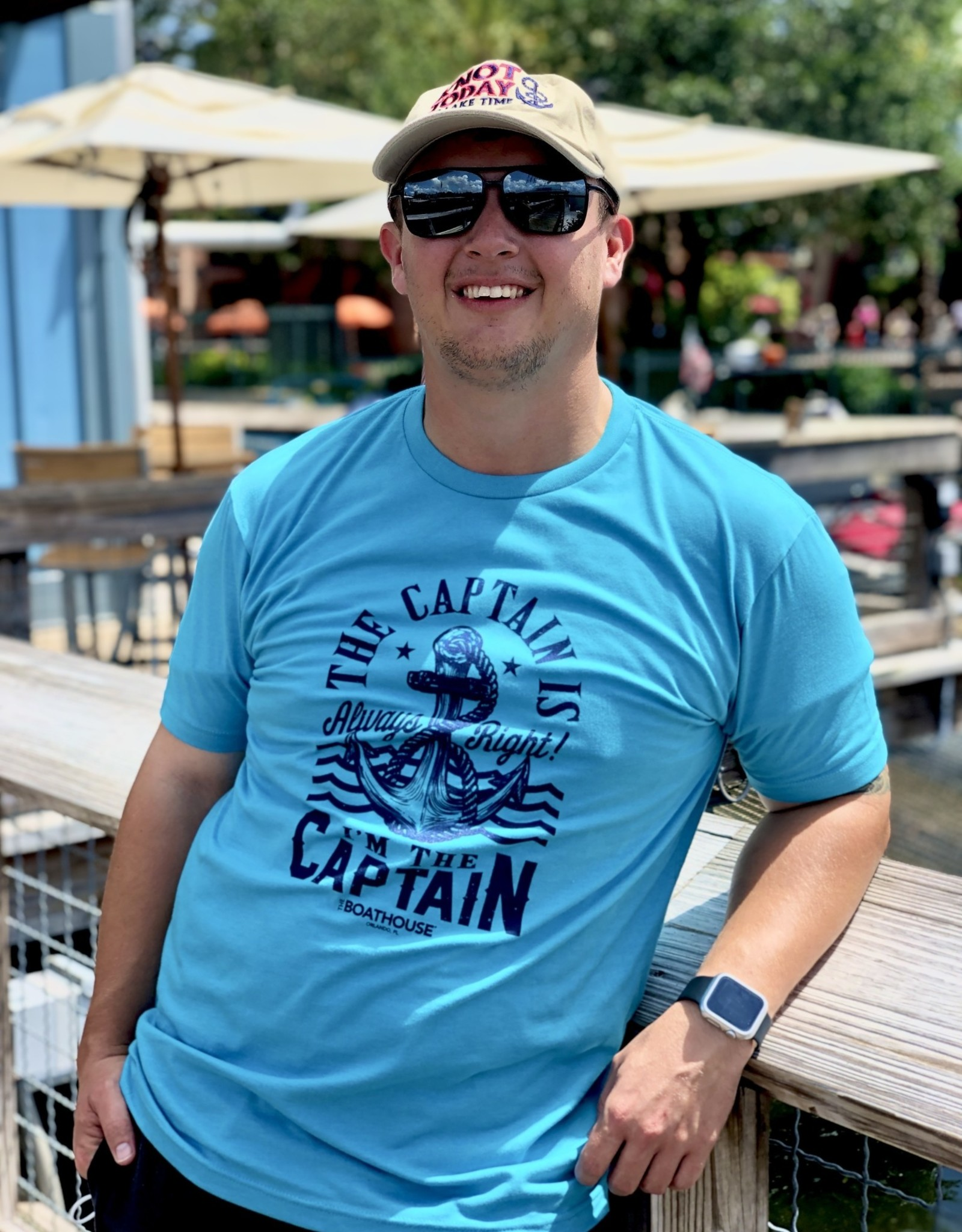 CAPTAIN IS RIGHT I'M THE CAPTAIN TEE