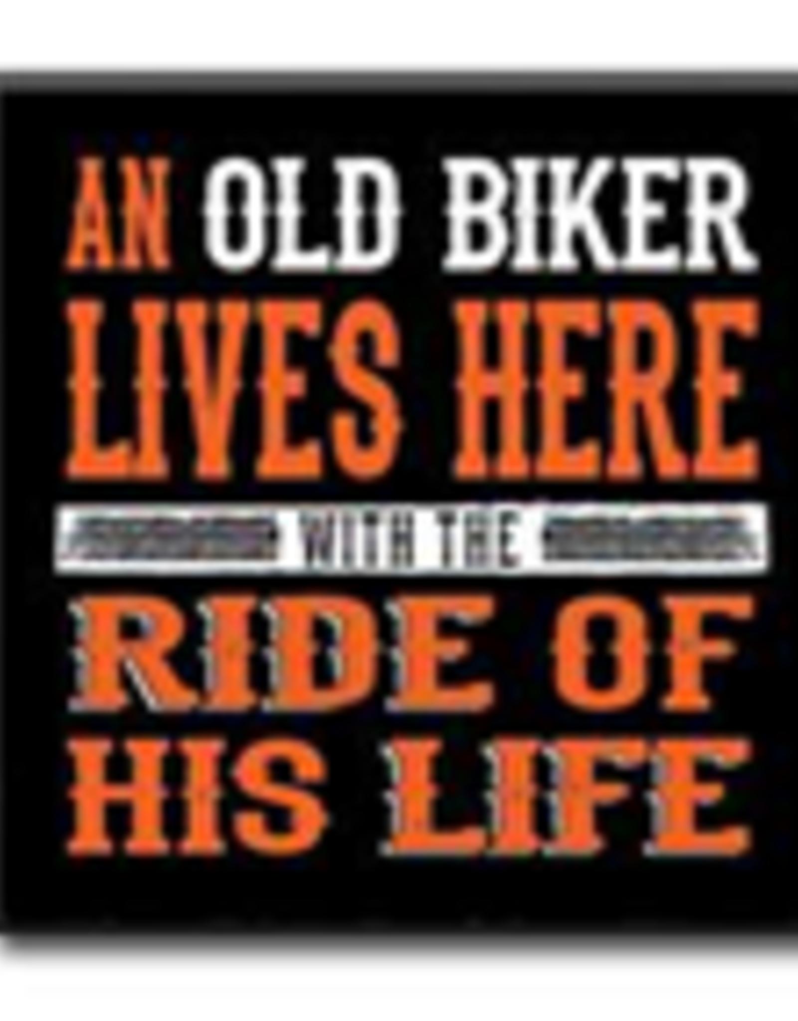 An Old Biker Lives Here 4x4