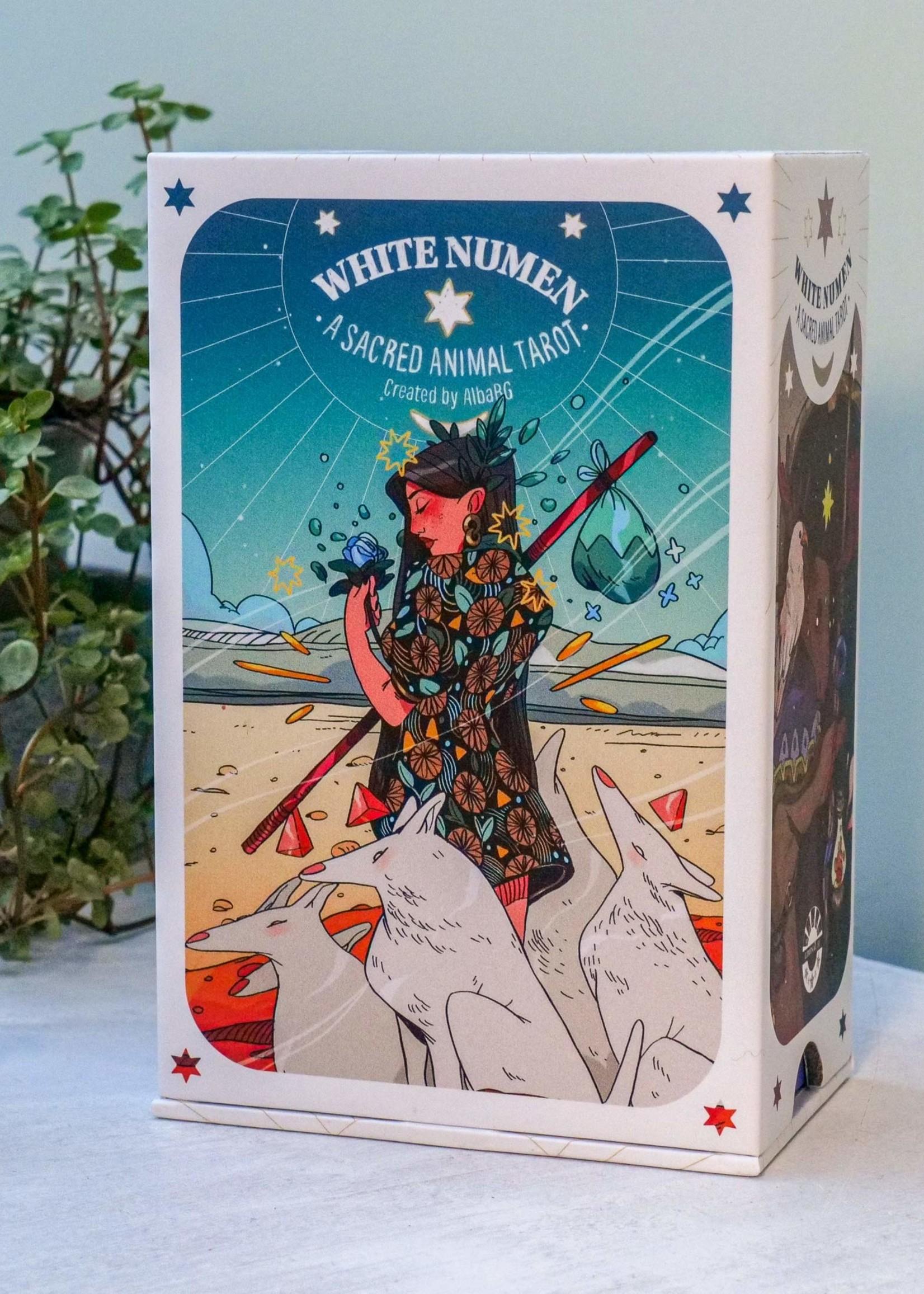 Deck White Numen Sacred Animal Tarot