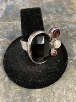 Ring Adj. Faceted Onyx Garnet & Pearl