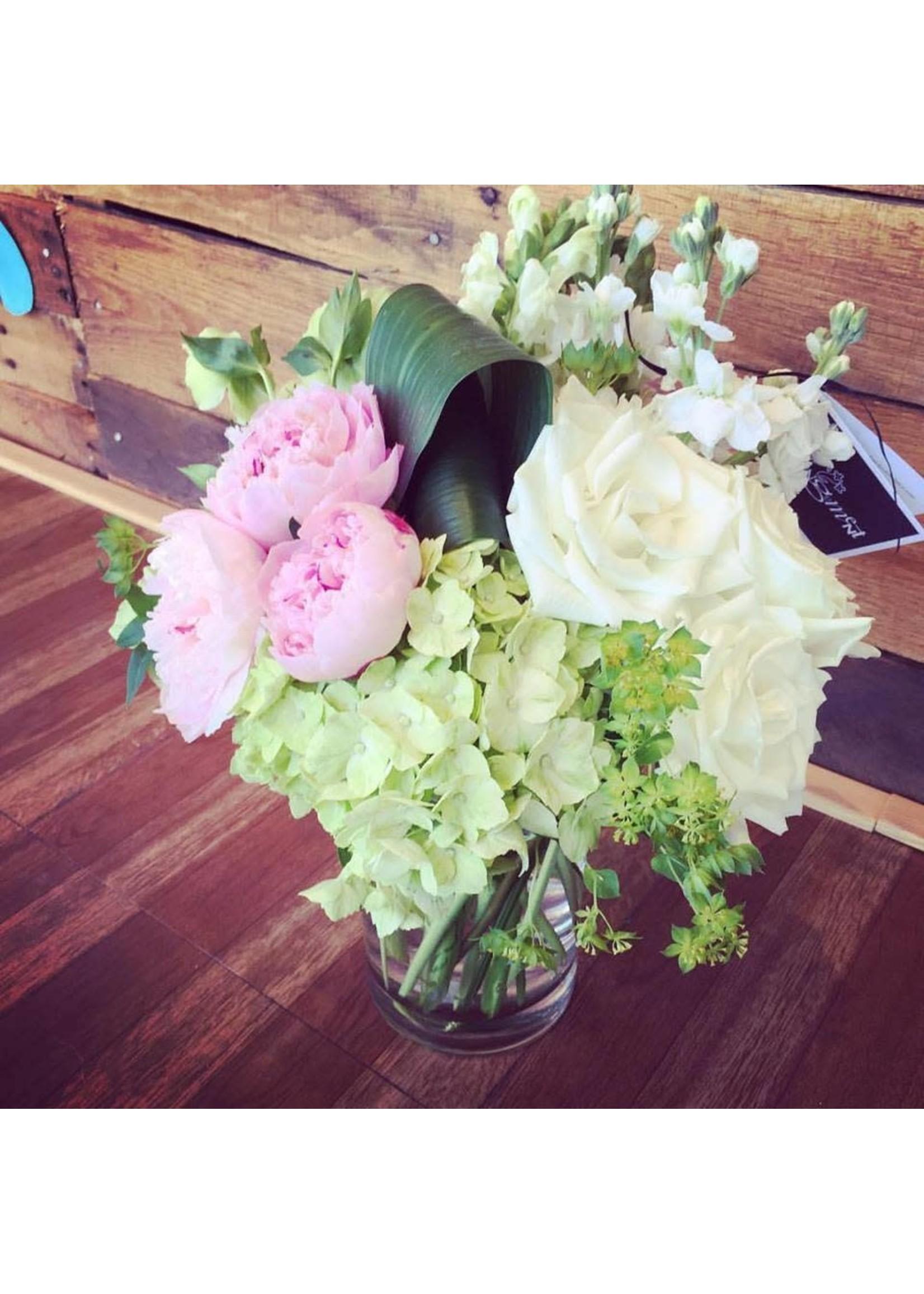 Large Basic Seasonal Blooms