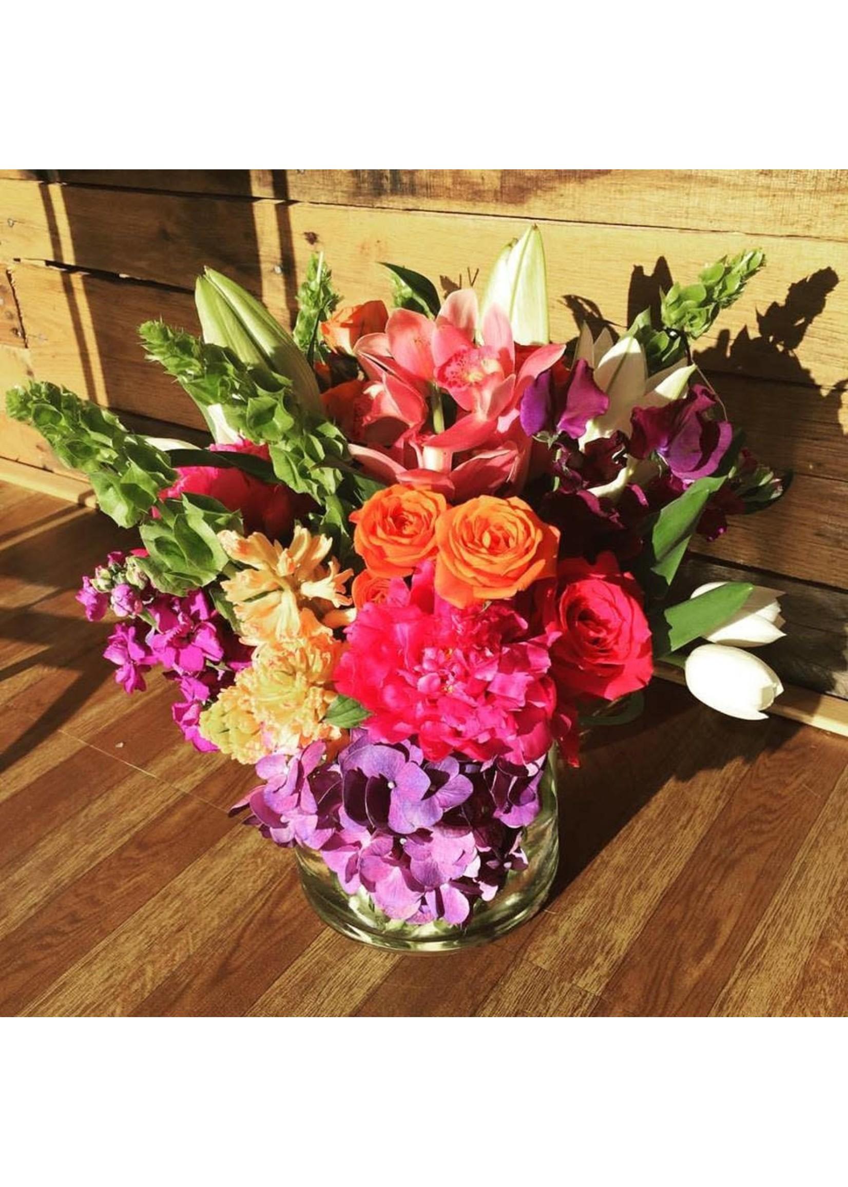 Large Extravagant Seasonal Blooms