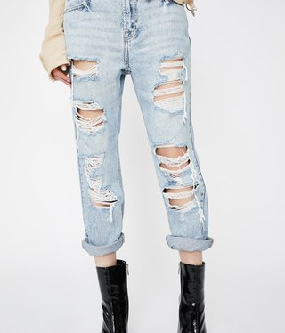 Hidden Jean Light Wash Distressed Boyfriend