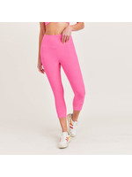 Mono B Textured Roses Highwaisted Capri Leggings