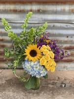 Medium Luxurious Seasonal Blooms