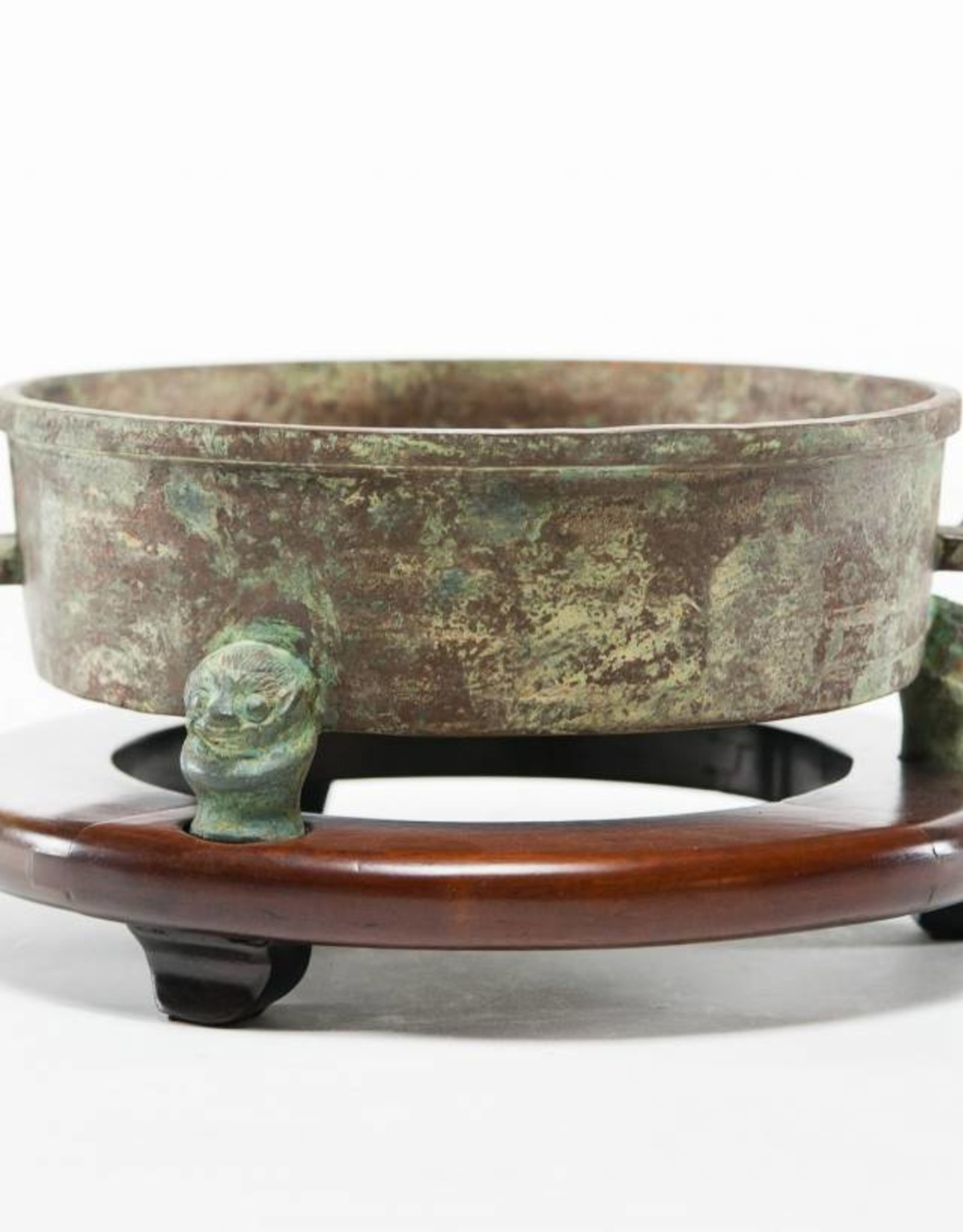 Lawrence & Scott Shallow P'an water vessel
