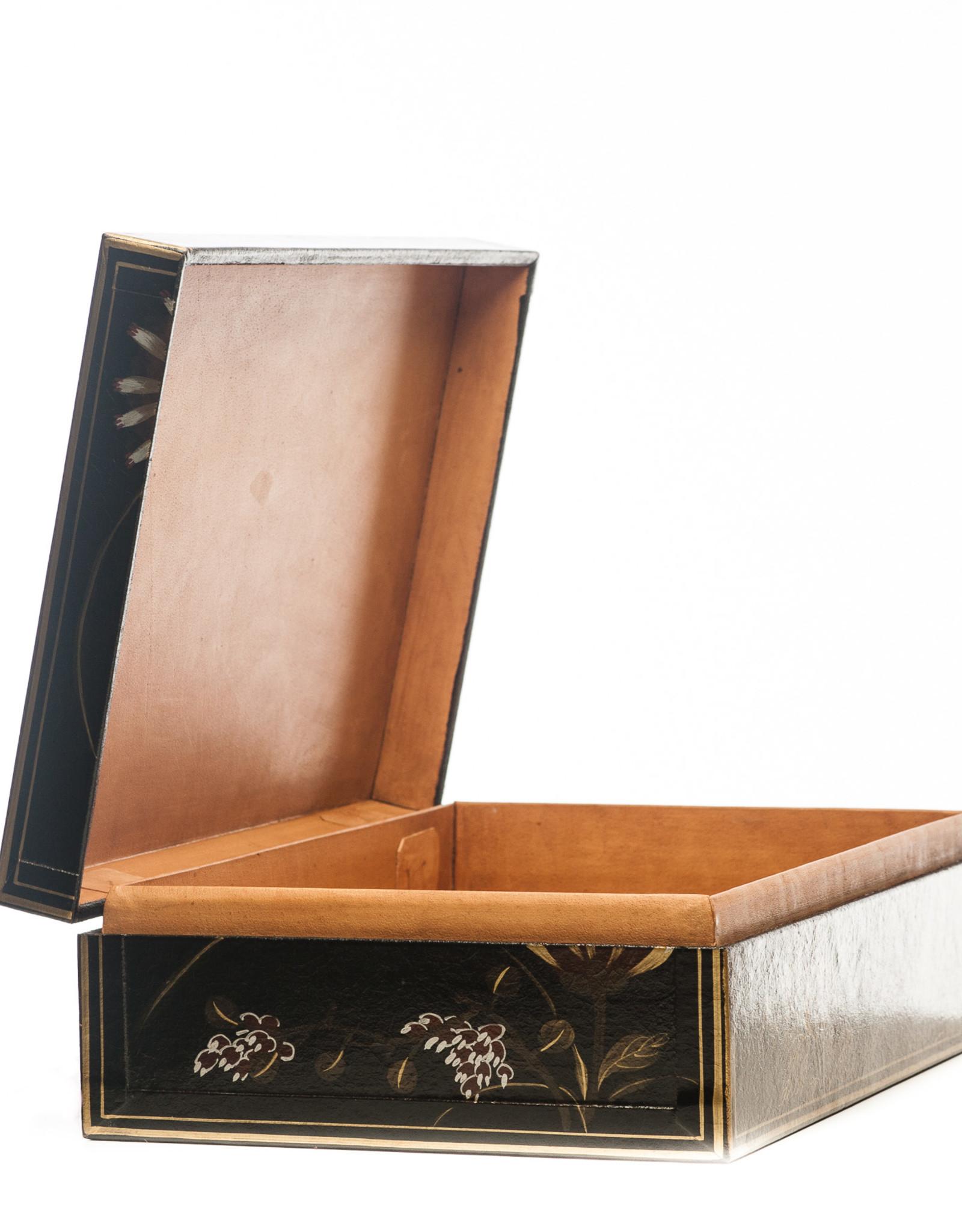 "Lawrence & Scott Black Thrive Leather Box (17"")"