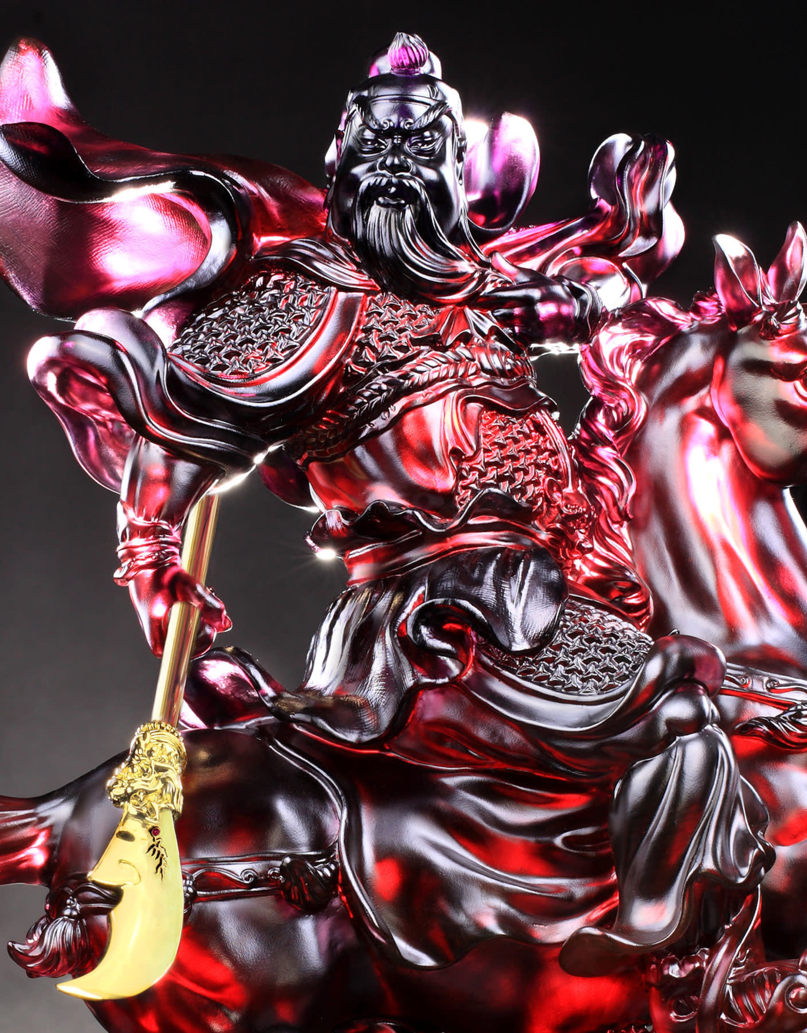 LIULI Crystal Art Crystal Statue of General Guan Gong (24K Gold-Plated Sword)