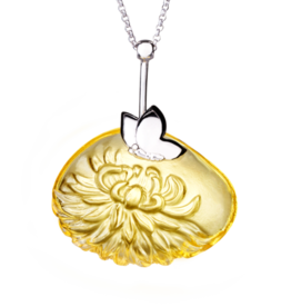 LIULI Crystal Art Crystal Dahlia Pendant Necklace in Amber