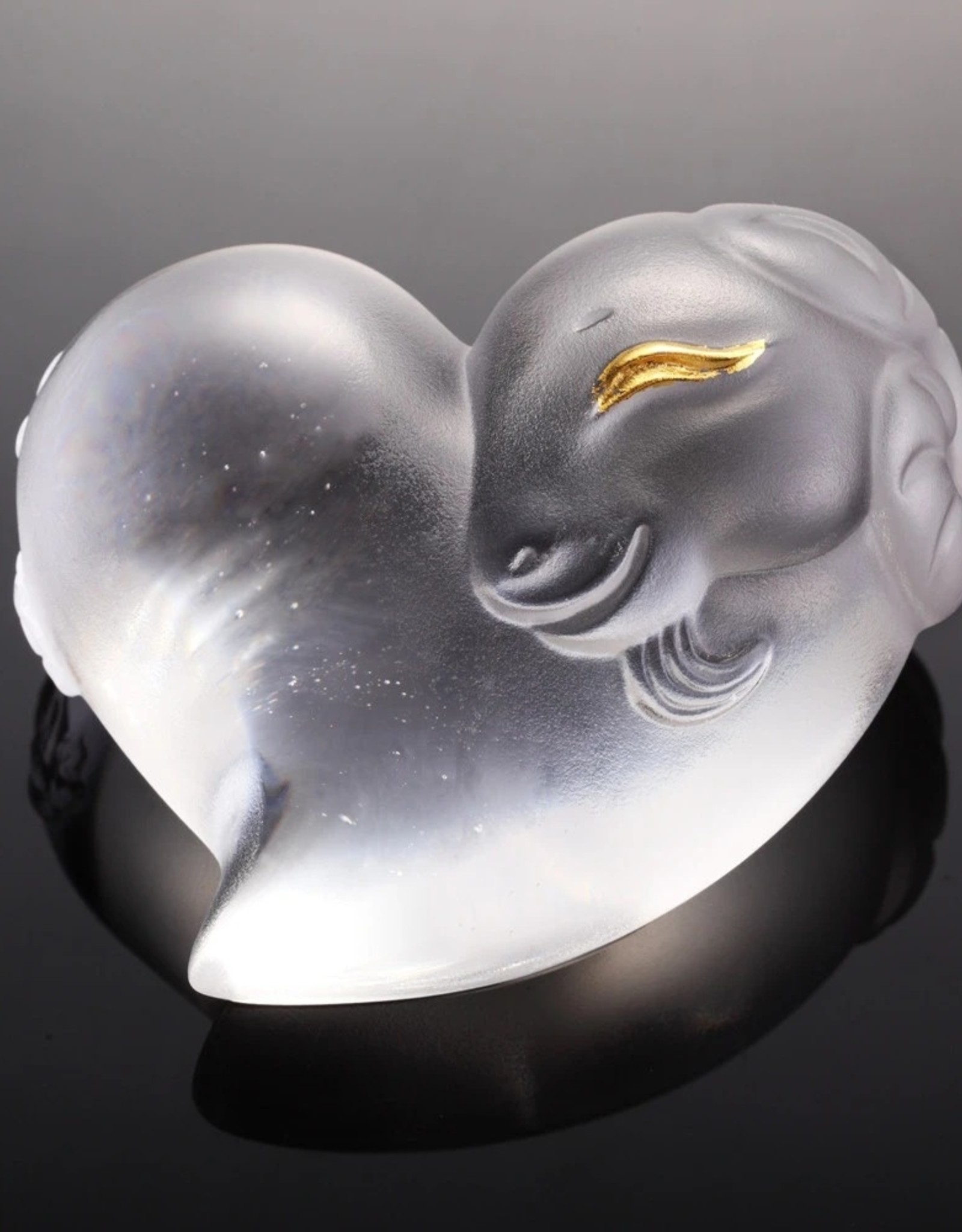 """LIULI Crystal Art Crystal Heart-Shaped """"Its Star, Its Heart"""" Sheep Paperweight in Powder White & 24K Gold Leaf (Limited Edition)"""