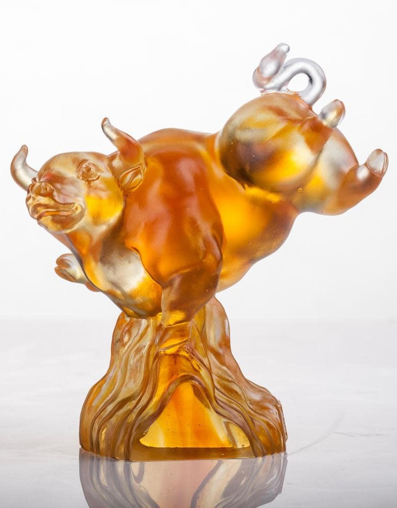 "LIULI Crystal Art Crystal Year of the Ox 2021 Statue ""Peak"""