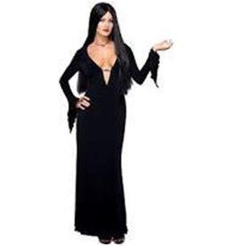 Morticia Addams - M
