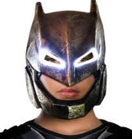 ARMORED BATMAN LIGHT UP MASK