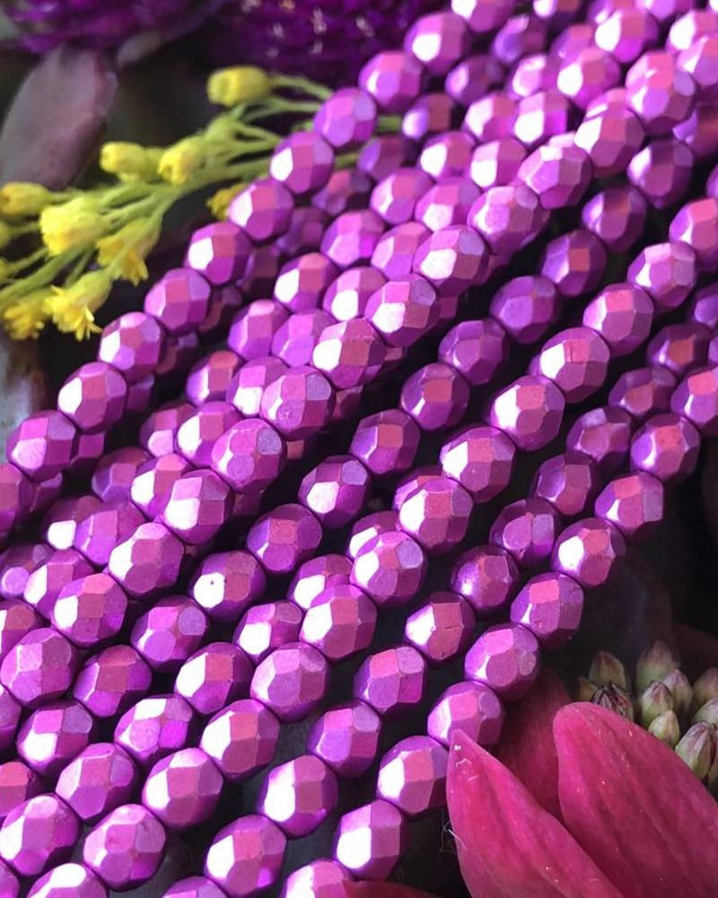 Firepolish 4mm : Saturated Metallic- Pink Yarrow