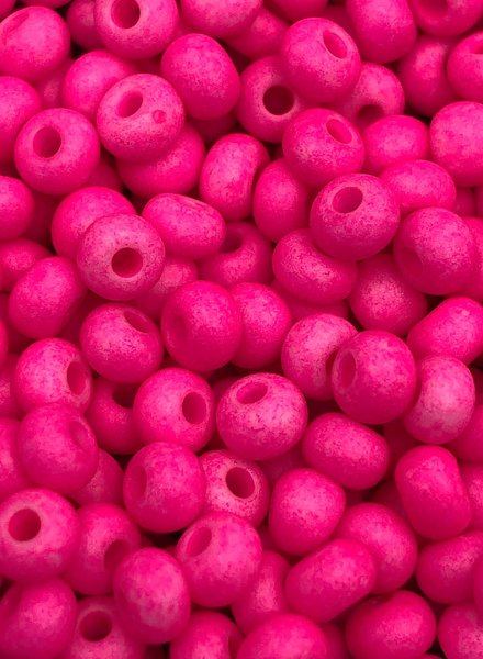 SIZE 6/0 #1444m Matte Neon Pink