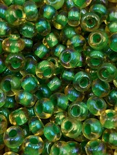SIZE 6/0 #784 Topaz Green Lined Rainbow
