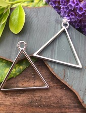 Triangle Frame: SILVER - 1 Pair