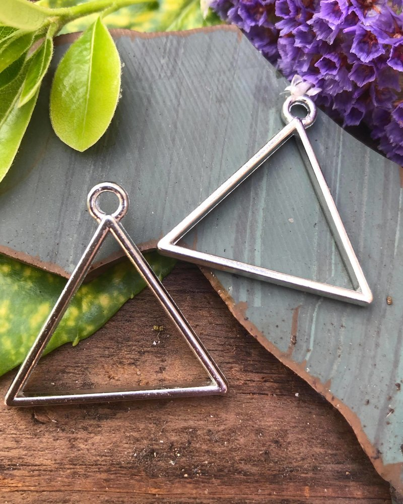 Triangle Frame With Loop: SILVER - 1 Pair