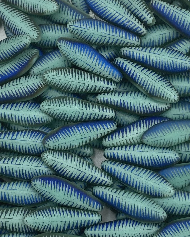 Dagger 16 x 5mm : FEATHER MATTE BLUE/GREEN TURQOUISE