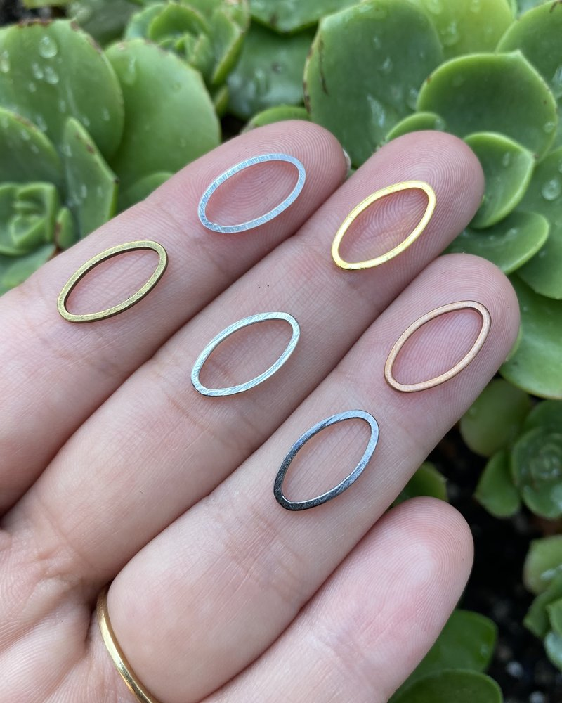 Small Oval Wire Frame- Gunmetal-10pc.