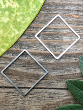 Square: Silver- 1 Pair