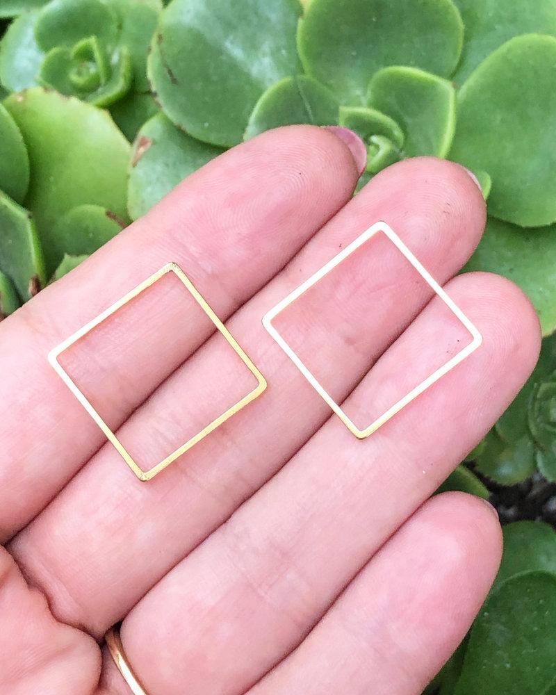 Square: Gold- 1 Pair