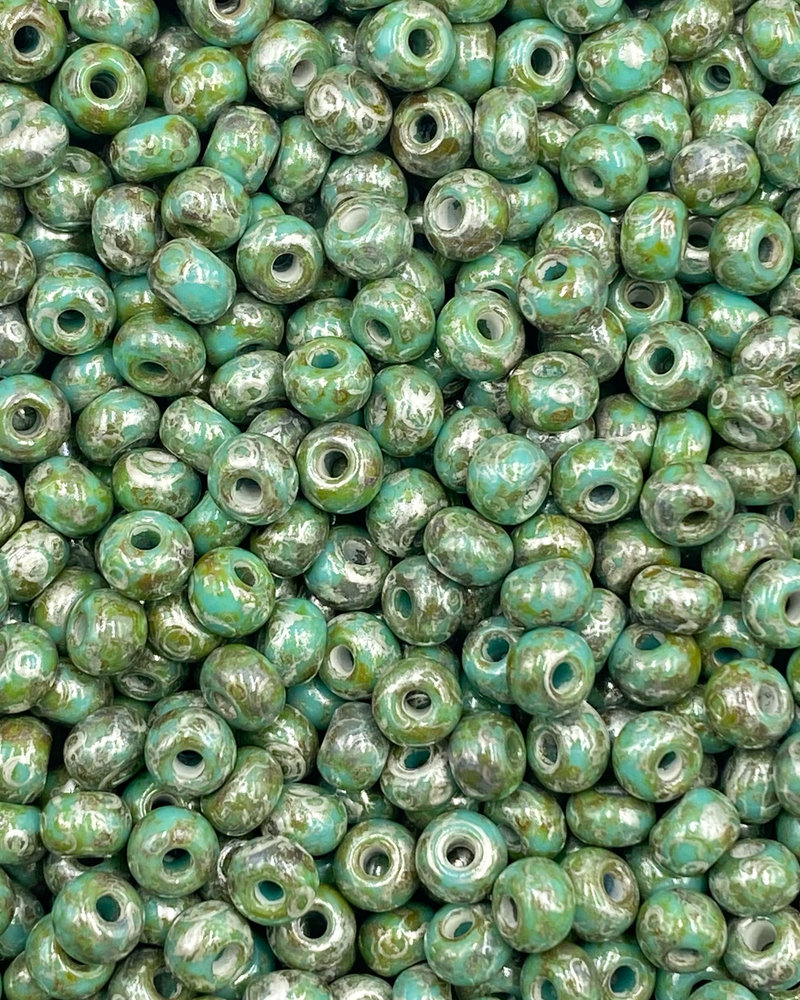 SIZE 6/0 #1477 Green Turquoise Moon