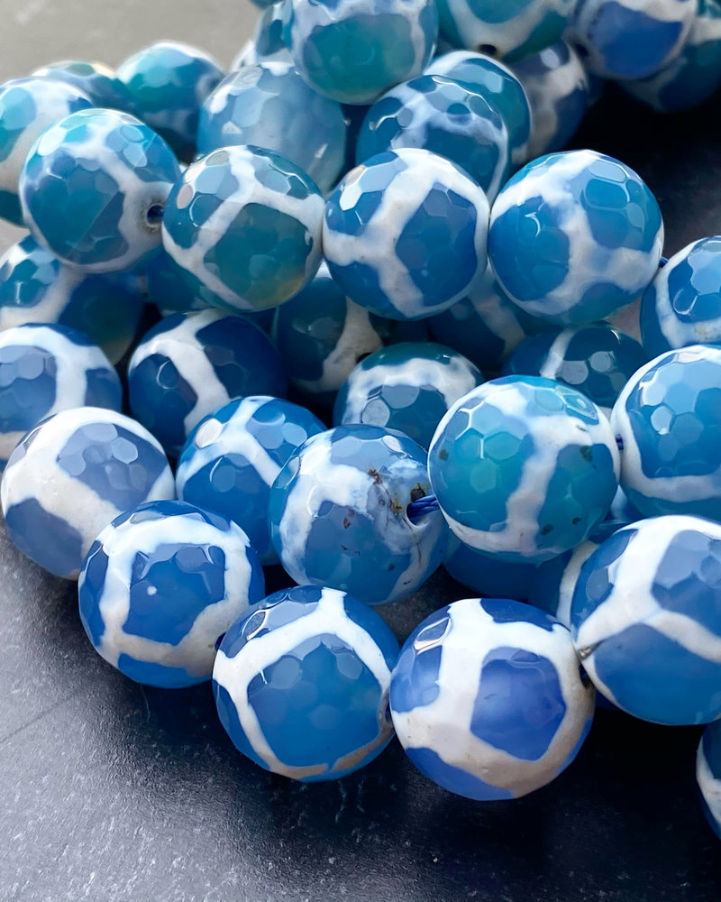14mm Faceted Round Blue Ying Yang Agate