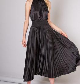 Smocked Detail Pleated Dress Black