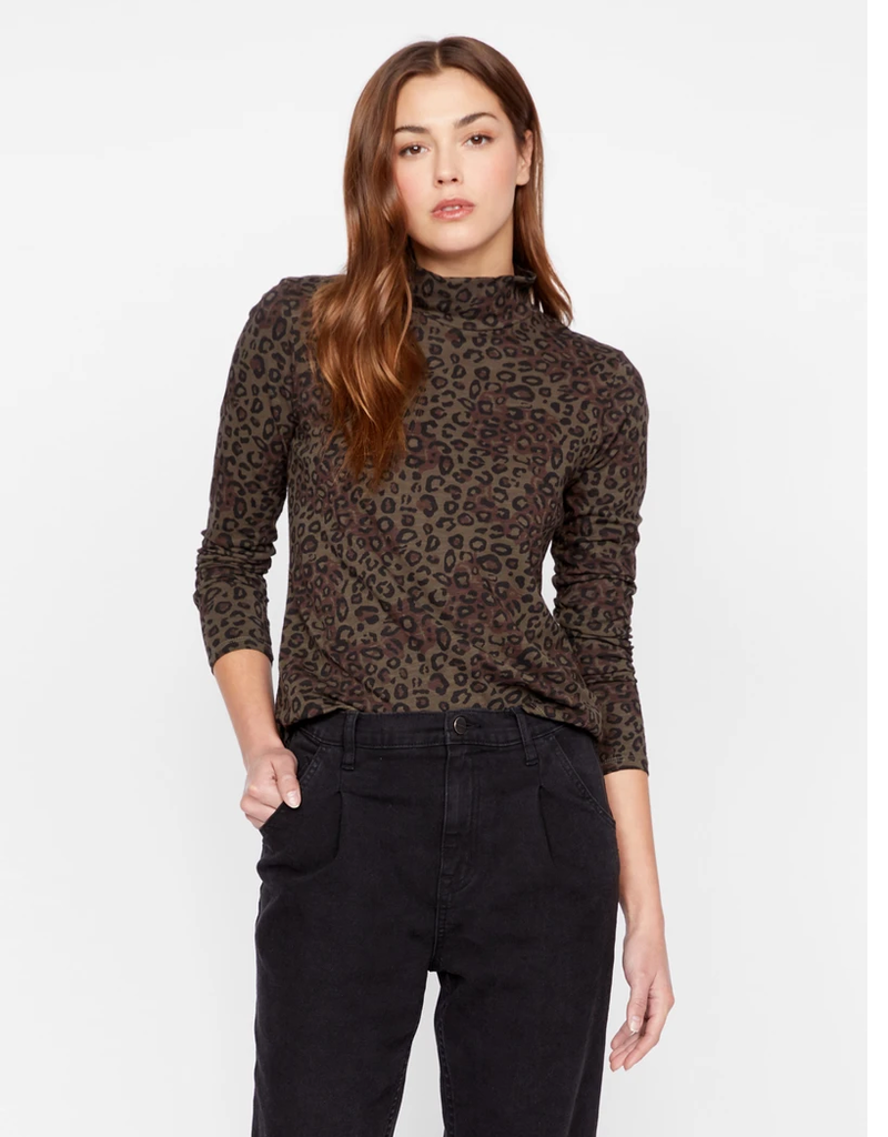 On A Roll Turtleneck Dark Leopard Camo