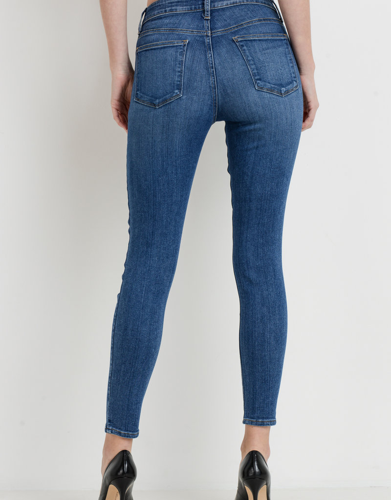 The High Rise Essential Skinny Medium Denim