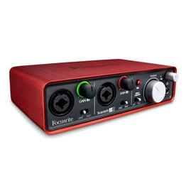 Focusrite Focusrite Scarlett 2I2 (2nd Gen) Audio Interface Bundle